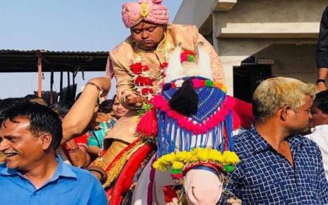 Pria Ini Gelar Pesta Pernikahan Tanpa Pengantin Wanita, Alasannya Bikin Terenyuh