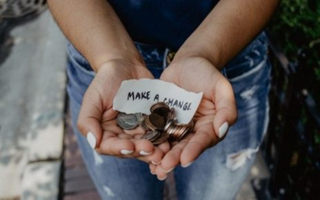 5 Alasan Bahwa Kebahagiaan Lebih Berharga Daripada Uang 5 Alasan Bahwa Kebahagiaan Lebih Berharga Daripada Uang