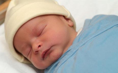 Orangtua Perlu Tahu Cara Mengatasi Penyakit Kuning Pada Bayi