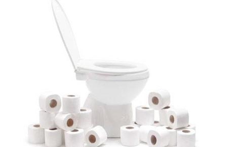 Ada Saja, Lelaki Duduk di Toilet Selama 5 Hari Demi Pecahkan Rekor