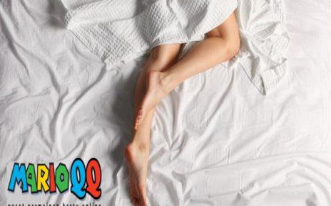 5 Manfaat Tidur Tanpa Pakaian, Salah Satunya Kurangi Stres