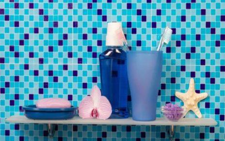 5 Tips Merawat Spons Mandi Agar Tak Jadi Sarang Bakteri