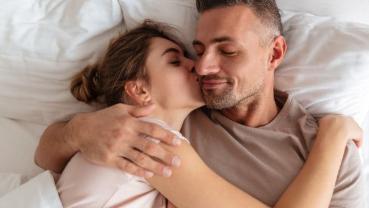 Pilihan Posisi Seks Duduk dan Berdiri