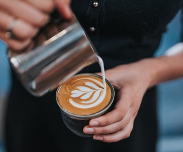 Seorang Barista Starbucks Menerima Sumbangan