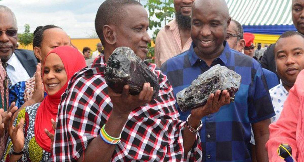 Seorang Penambang Skala Kecil di Tanzania Mendadak Kaya