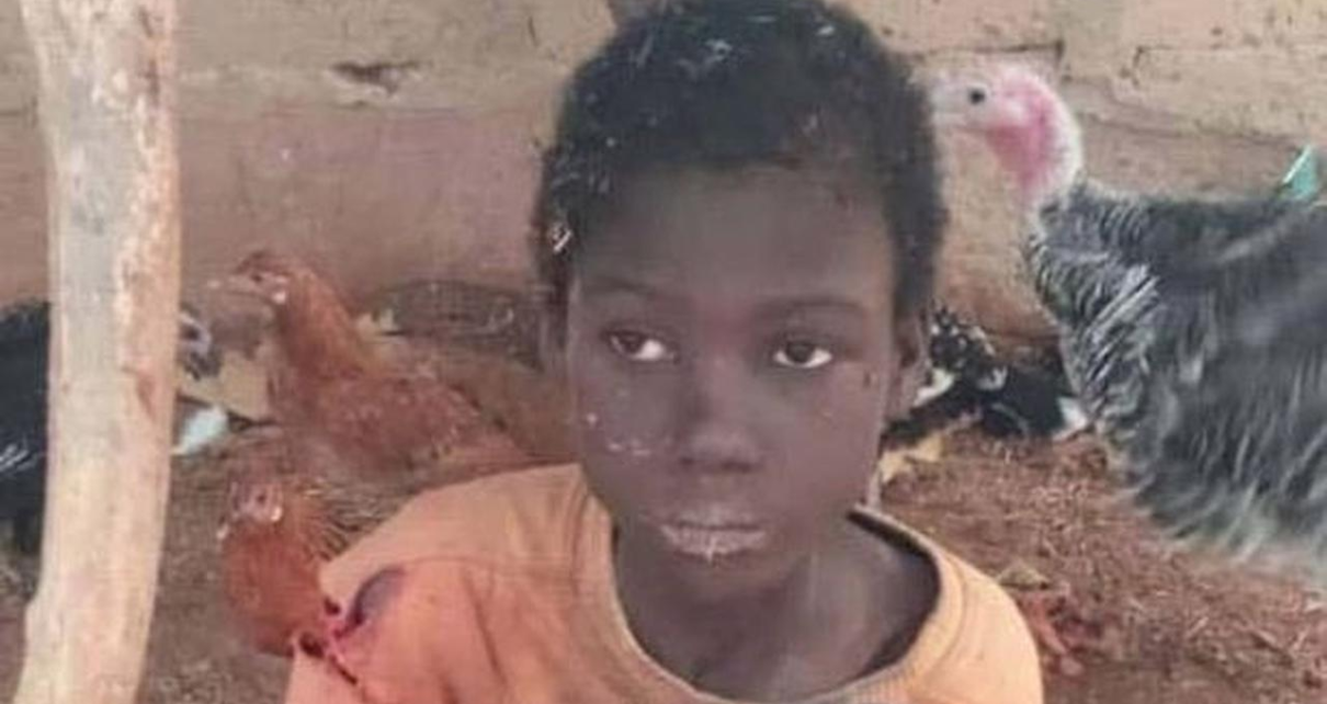 Seorang Bocah Yang Tinggal Di Kandang Kambing Selama 2 Tahun