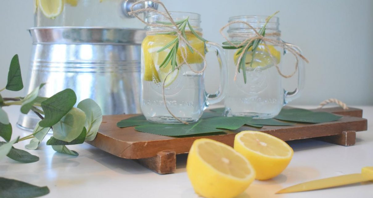 Manfaat Minum Air Lemon Setiap Hari dan Cara Membuatnya