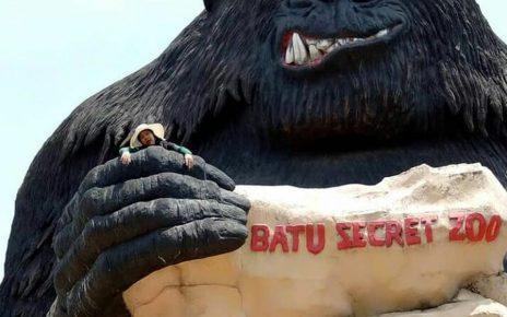 Patung King Kong Sebelum Rusak Akibat Gempa