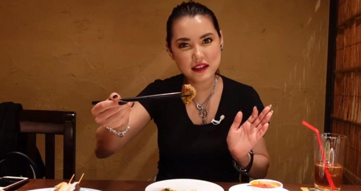 Miyabi Mampir ke Restoran Indonesia dan Mencicipi Rendang hingga Mi Goreng